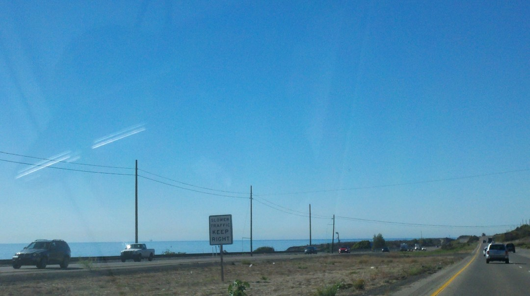 A view of the Pacific Ocean from the 101