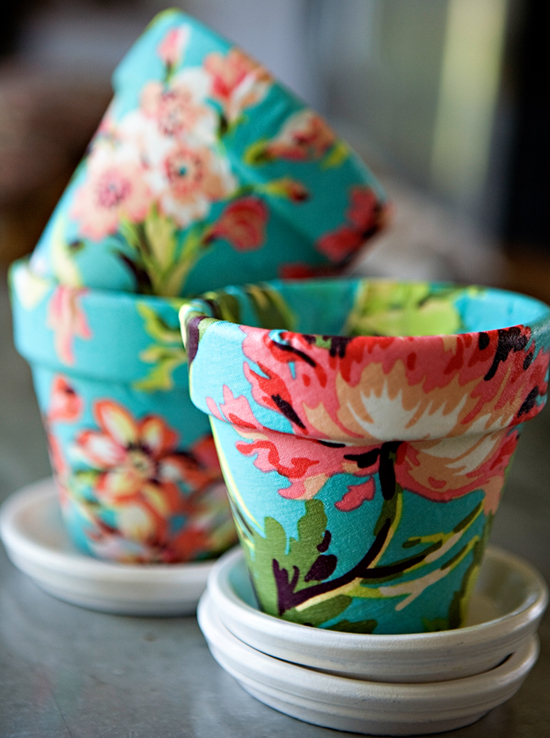 Creative Ways to Reuse Things: Fabric covered flower pots
