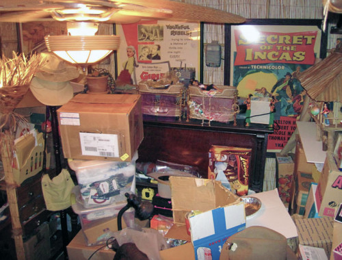 Avoid being a hoarder and make money online from spring cleaning!