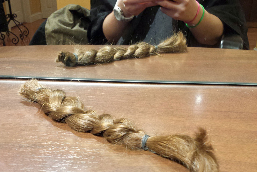 Ponytail cut and ready to donate