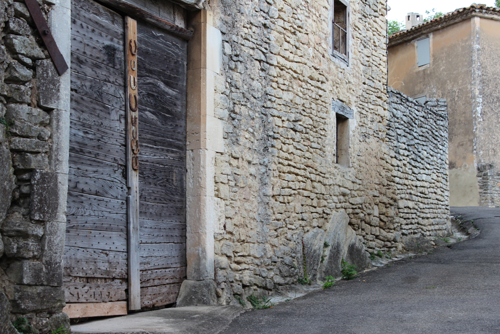 Alley in Goult France