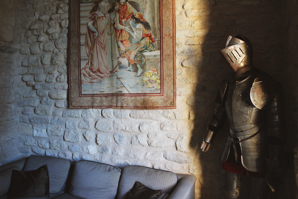 Knight's armor as decor in Goult Castle