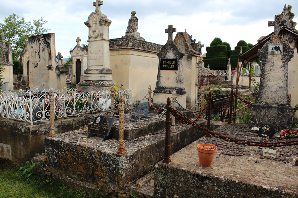 Cemetery in Goult France
