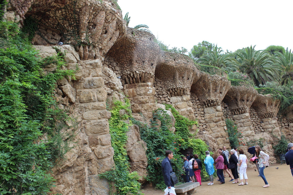 Interesting wall area in Park Güell