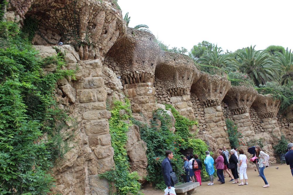 Interesting wall area in Park Güell