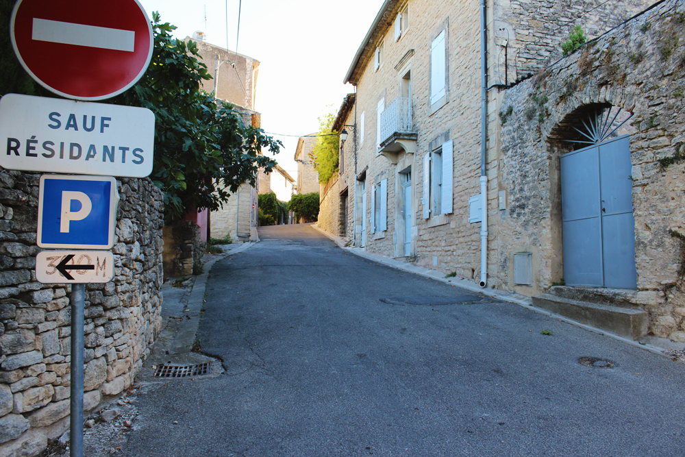 Steep hill in Goult, France